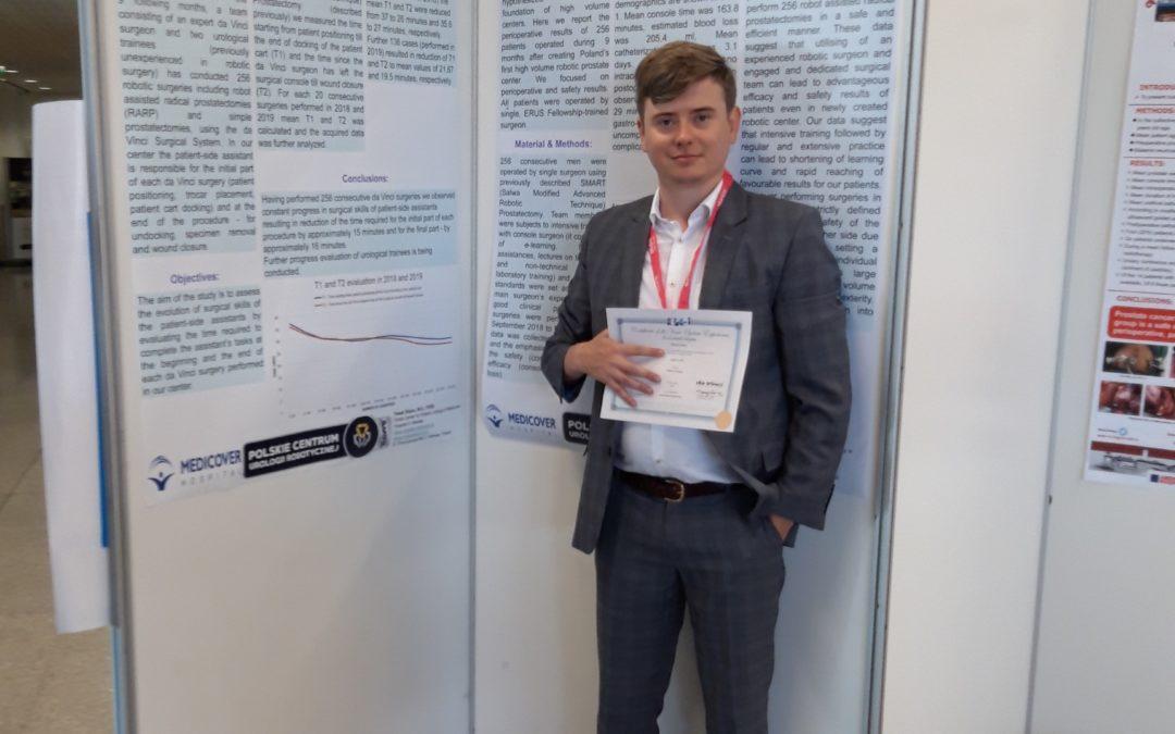 Naukowy sukces doktorów Salwa i Stajno – jesteśmy jedynym polskim ośrodkiem który prezentuje wyniki na Europejskim Kongresie Urologii Robotycznej ERUS 2019 w Lizbonie.